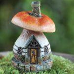 Micro mushroom house -17341